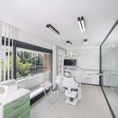 VERO CONCEPT MİMARLIK – Klinik-45 | Diş Kliniği | Manisa:  tarz Klinikler