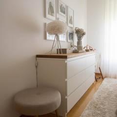 Quarto de Casal | Depois: Quartos  por MUDA Home Design,