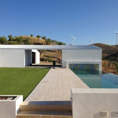 Infinity pool by ÁVILA ARQUITECTOS, Country