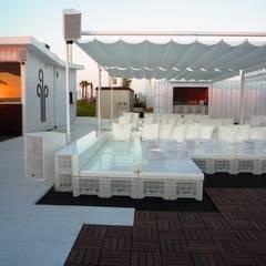 Restaurante Laydown Puerto @ Marina de Valencia: Bares y Clubs de estilo  de Viceversa Arquitectura & Diseño