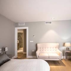 Dormitorio: Dormitorios de estilo  de ÁVILA ARQUITECTOS