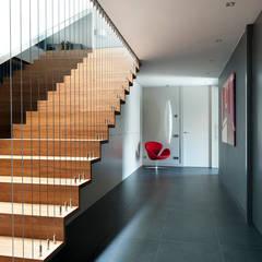 Stairs by Sambori Design, Modern