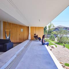 GODO 神戸町の平屋: 武藤圭太郎建築設計事務所が手掛けた庭です。