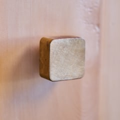 GODO 神戸町の平屋: 武藤圭太郎建築設計事務所が手掛けたドアです。