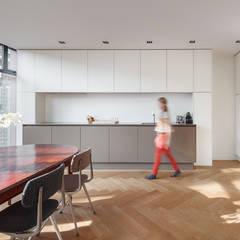 Van top tot teen Moderne keukens van Richèl Lubbers Architecten Modern