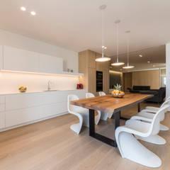 minimalistic Kitchen by marco tassiello architetto