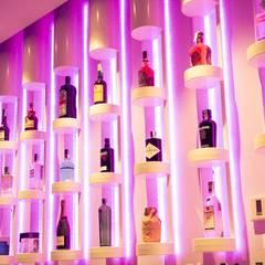 Bares y Clubs de estilo  por Interiorismo  & Diseño Francisco Javier Menéndez Cámara
