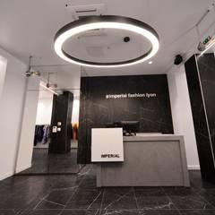 Impérial: Locaux commerciaux & Magasins de style  par Cornevin architecte d'intérieur