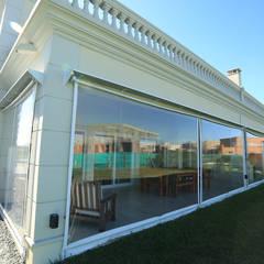 Casa Ayres Plaza Jardines de invierno modernos de ARQCONS Arquitectura & Construcción Moderno