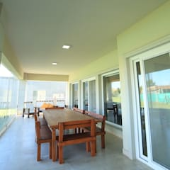 Casa Ayres Plaza: Casas de estilo  por ARQCONS Arquitectura & Construcción