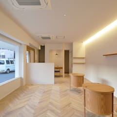 Offices & stores by TRANSFORM  株式会社シーエーティ,