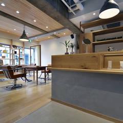 D-set hair: TRANSFORM  株式会社シーエーティが手掛けたオフィススペース&店です。