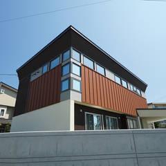 إضاءات طبيعية من سقف  تنفيذ アウラ建築設計事務所