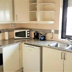 Apartamento T1 Campolide: Cozinhas  por EU LISBOA