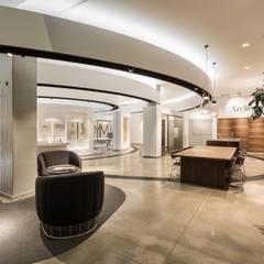 Showroom de materiales en Santiago de Compostela: Oficinas y Tiendas de estilo  de Imaisdé Design Studio