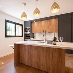 home staging tomillar: Cocinas integrales de estilo  de DC PROJECTS