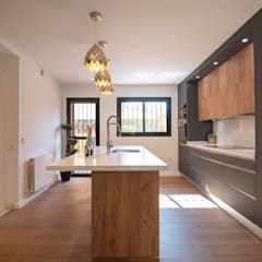 Built-in kitchens by DC PROJECTS