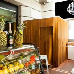 Restaurante Baño: Bares y Clubs de estilo  de DC PROJECTS