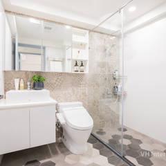 板橋施公館:  浴室 by VH INTERIOR DESIGN