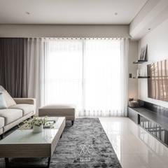 Living room by 双設計建築室內總研所,