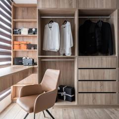 غرفة الملابس تنفيذ 双設計建築室內總研所, حداثي