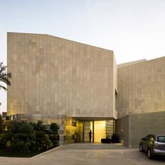 by AGi architects arquitectos y diseñadores en Madrid Сучасний Залізобетон