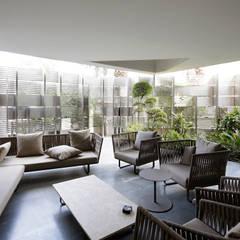 by AGi architects arquitectos y diseñadores en Madrid Сучасний