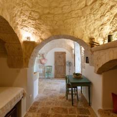 Koridor dan lorong oleh Architetto Floriana Errico, Mediteran