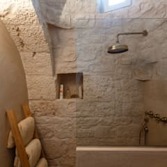 Bathroom by Architetto Floriana Errico