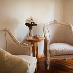 Diseño Interior Living vivienda particular: Livings de estilo  por PA-espacio