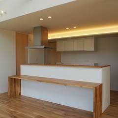 Kitchen by RAI一級建築士事務所