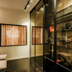 The Grove, Lakefield:  Dressing room by Studio BEVD, Asian