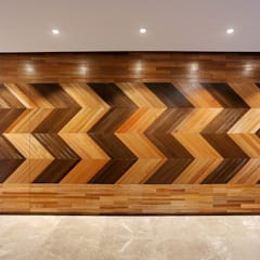 Kelab Golf Sultan Abdul Aziz Shah Bungalow:  Corridor & hallway by Studio BEVD, Modern