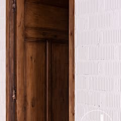 Wooden doors by osb arquitectos,