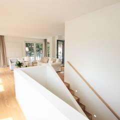 Penthouse-Wohnung - Inszenierung  für den Verkauf:  Treppe von Münchner home staging Agentur GESCHKA