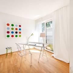 Penthouse-Wohnung - Home Staging - Inszenierung  für den Verkauf - München-Grünwaldd:  Arbeitszimmer von Münchner home staging Agentur GESCHKA