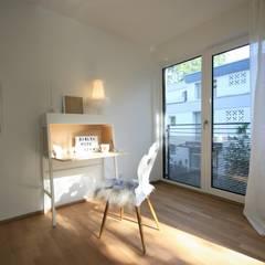 Penthouse-Wohnung - Inszenierung  für den Verkauf: klassische Kinderzimmer von Münchner home staging Agentur GESCHKA