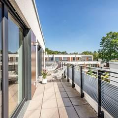 Penthouse-Wohnung - Home Staging - Inszenierung  für den Verkauf - München-Grünwaldd:  Terrasse von Münchner home staging Agentur GESCHKA