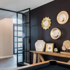 salon: Salon de style de style Classique par Marie'S Home