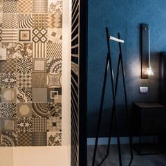 Aménagement complet d'un Rez de chaussée : Salle de bains de style  par Marie'S Home