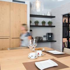 Aménagement complet d'un Rez de chaussée : Cuisine de style  par Marie'S Home
