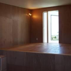 大屋根の家: RAI一級建築士事務所が手掛けた子供部屋です。