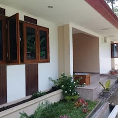 Wooden windows by studioindoneosia