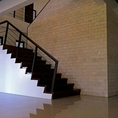 The House in Eagle st.:  Stairs by Architecture Creates Your Environment Design Studio