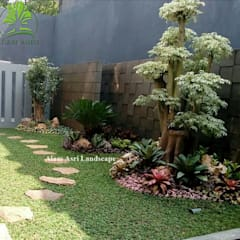 Jardin de rocaille  de style  par Tukang Taman Surabaya - Alam Asri Landscape