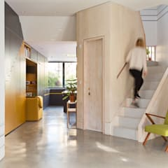 The Etch House:  Stairs by Fraher Architects Ltd