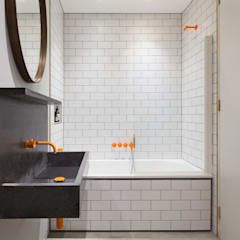 The Etch House:  Bathroom by Fraher Architects Ltd