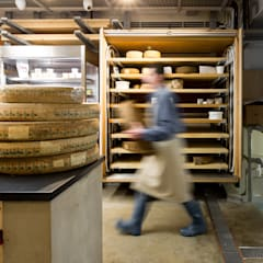Mons Cheese:  Offices & stores by Fraher Architects Ltd