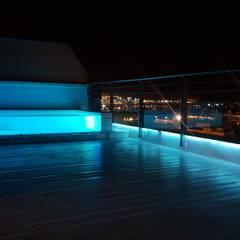 Duplex Alameda, Valencia: Terrazas de estilo  de MASR | Estudio de arquitectura