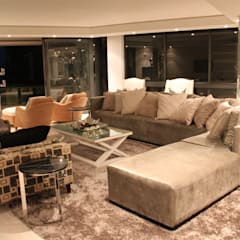 Residential Clifton:  Living room by Lean van der Merwe Interiors